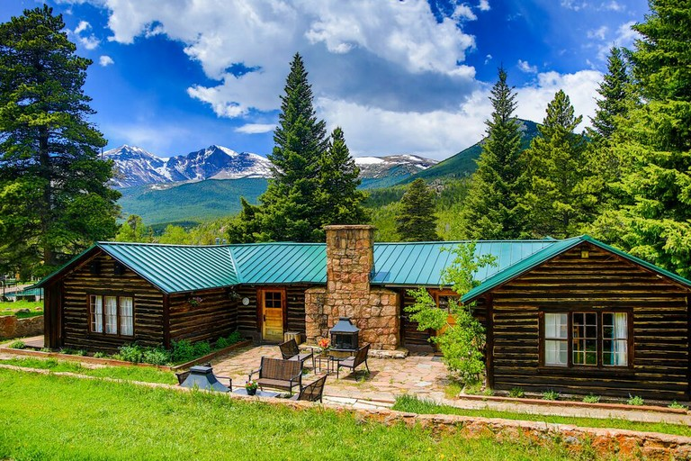 christian singles in river ranch Dude ranch vacations for singles dude ranch vacations for single travelers are a wonderful way to meet new people and feel like gros ventre river ranch wyoming.