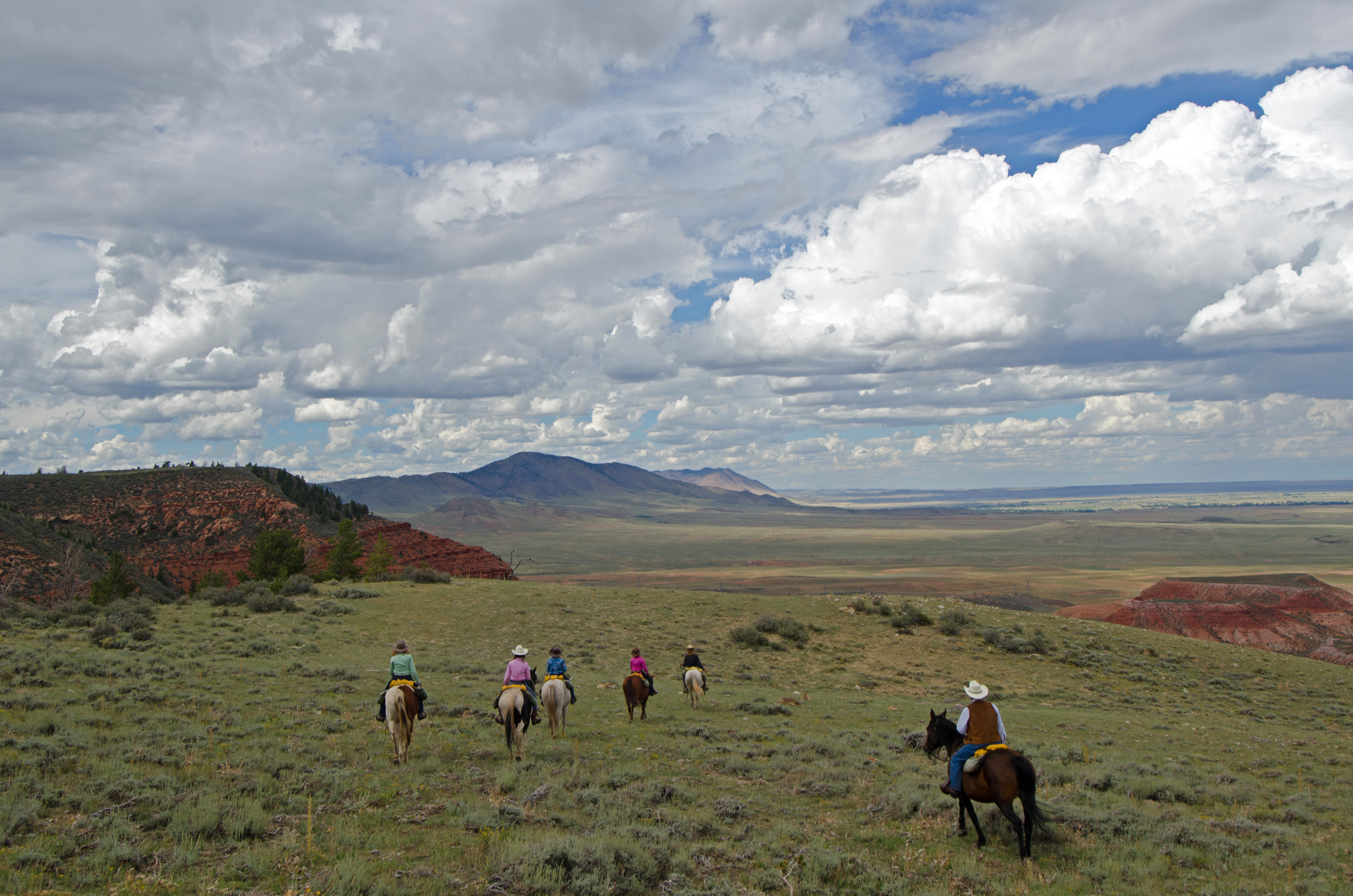 horseback-riding-laramie-river.jpg