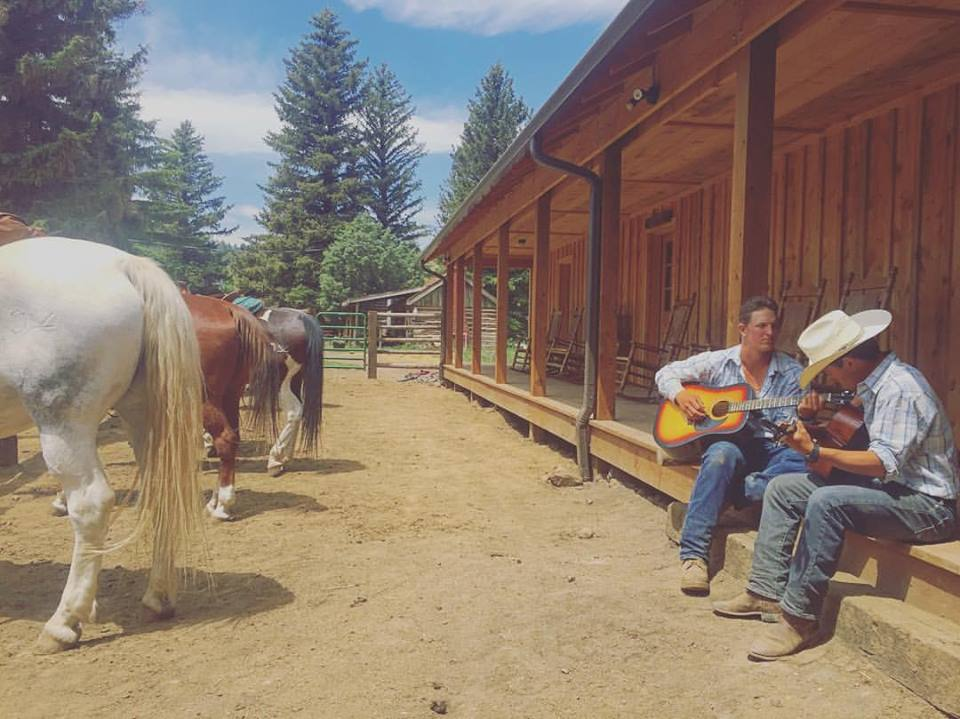 music-horses-cherokee-park.jpg