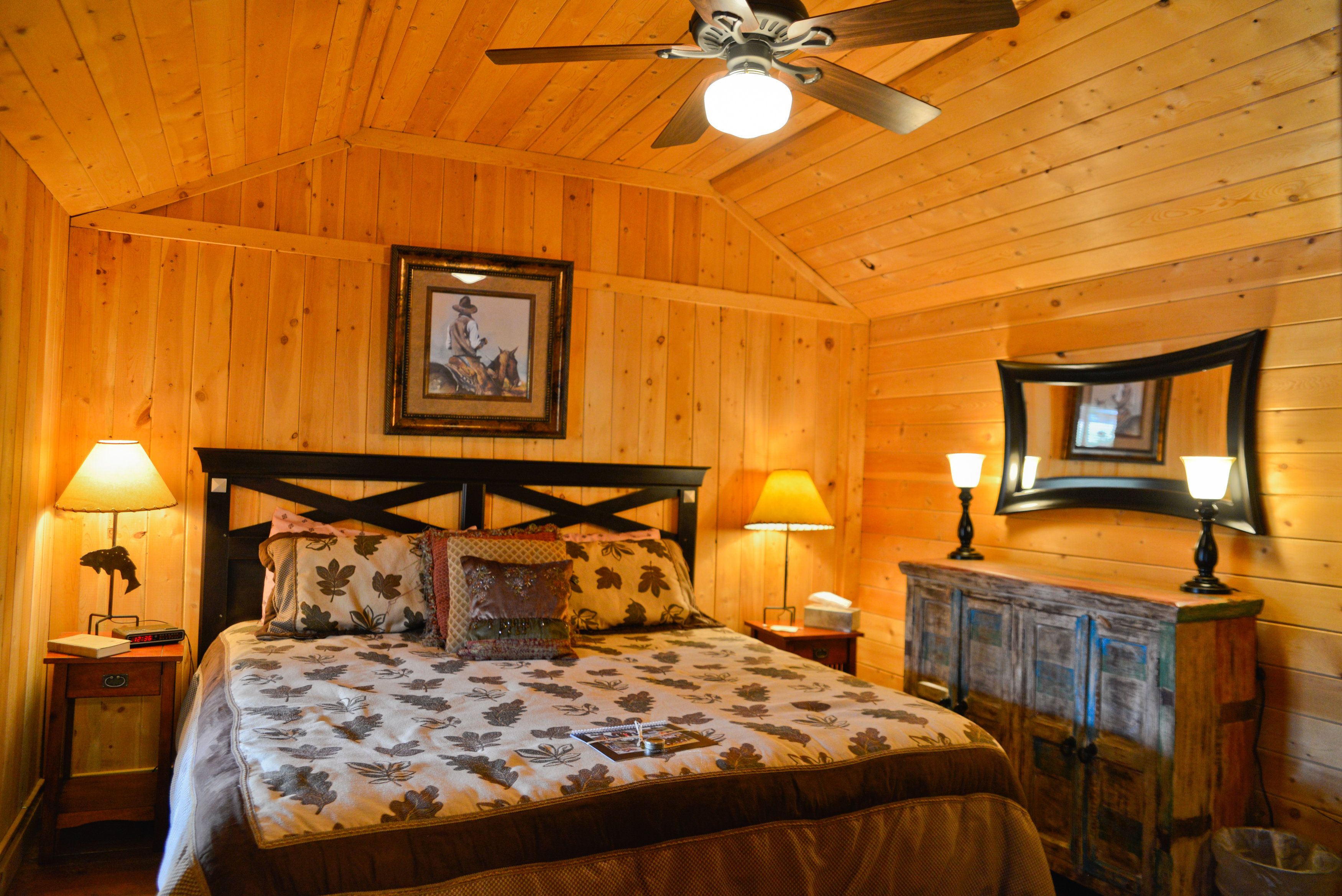 bedroom-interior-cherokee-park.jpg