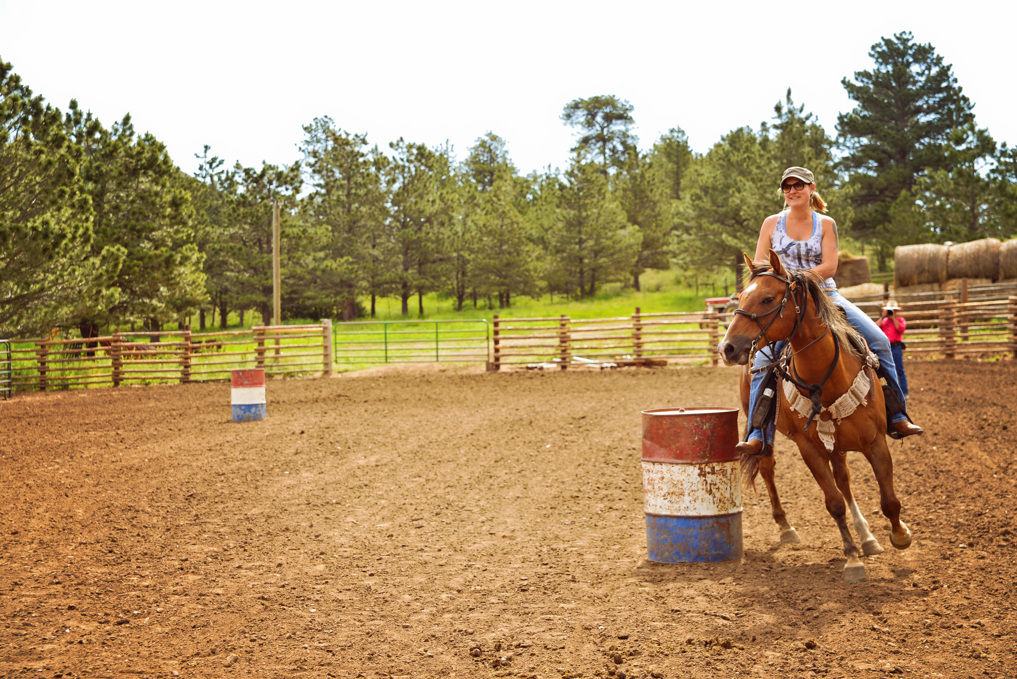 horse-racing-cherokee-park.jpg