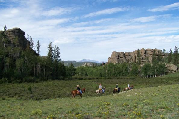 horseback-riding.deer-valley.jpg