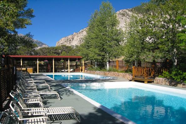 outdoor-pool-deer-valley.jpg