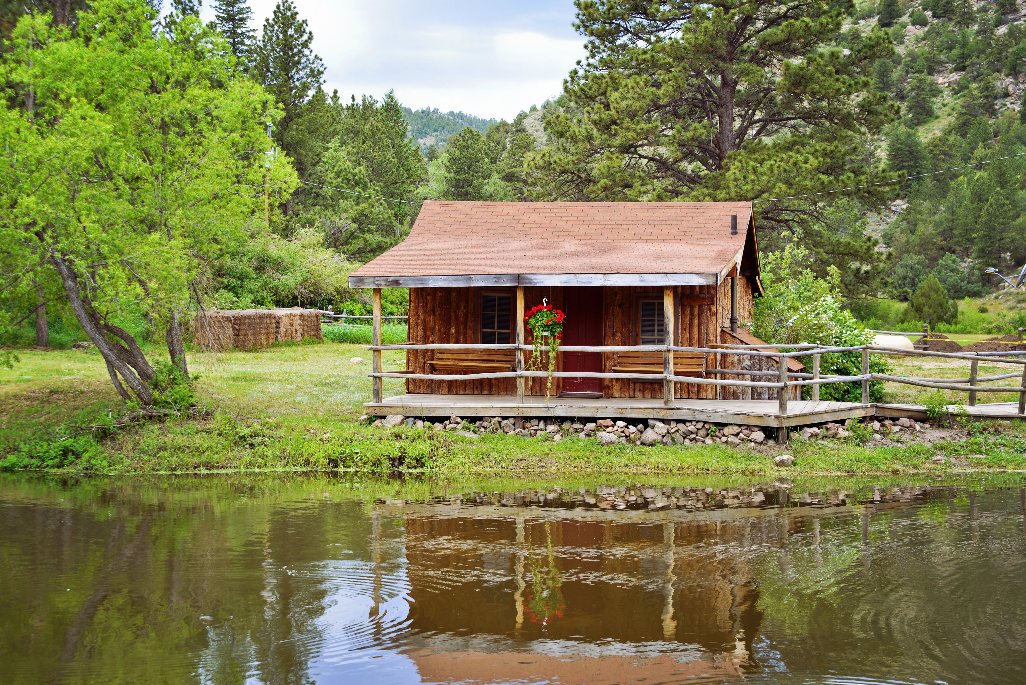 cabin-exterior-cherokee-park.jpg