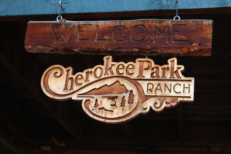 entrance-sign-cherokee-park.jpg
