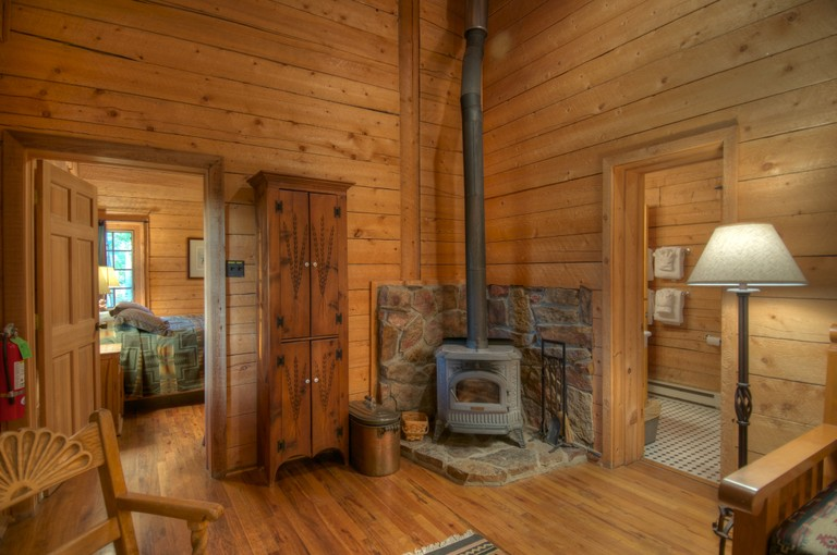 cabin-interior-home-ranch.jpg