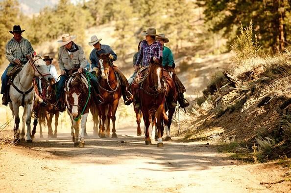 horseback-riding-lost-valley.jpg