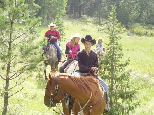 sundancetrail.com_family-horseback-riding.jpg