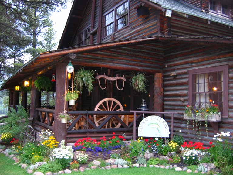 cabin-exterior-rainbow-trout.jpg