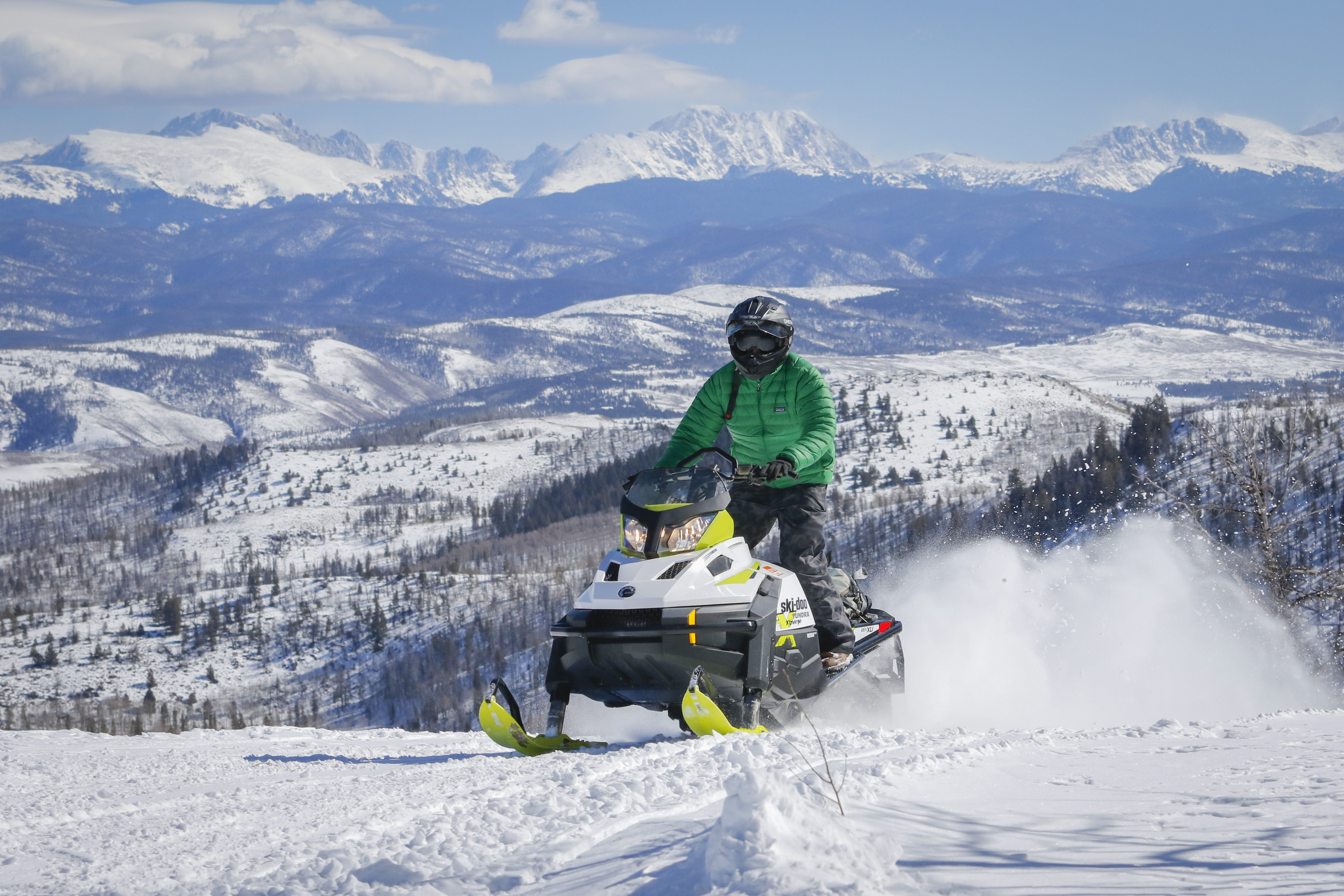 snowmobiling-clazyu.jpg