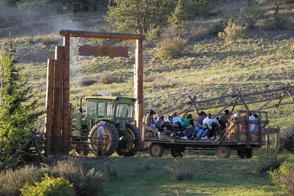 tractor-rides-elk-mountain.jpg