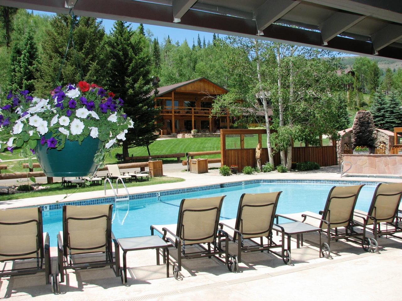 Pool-at-CLazyU-Ranch