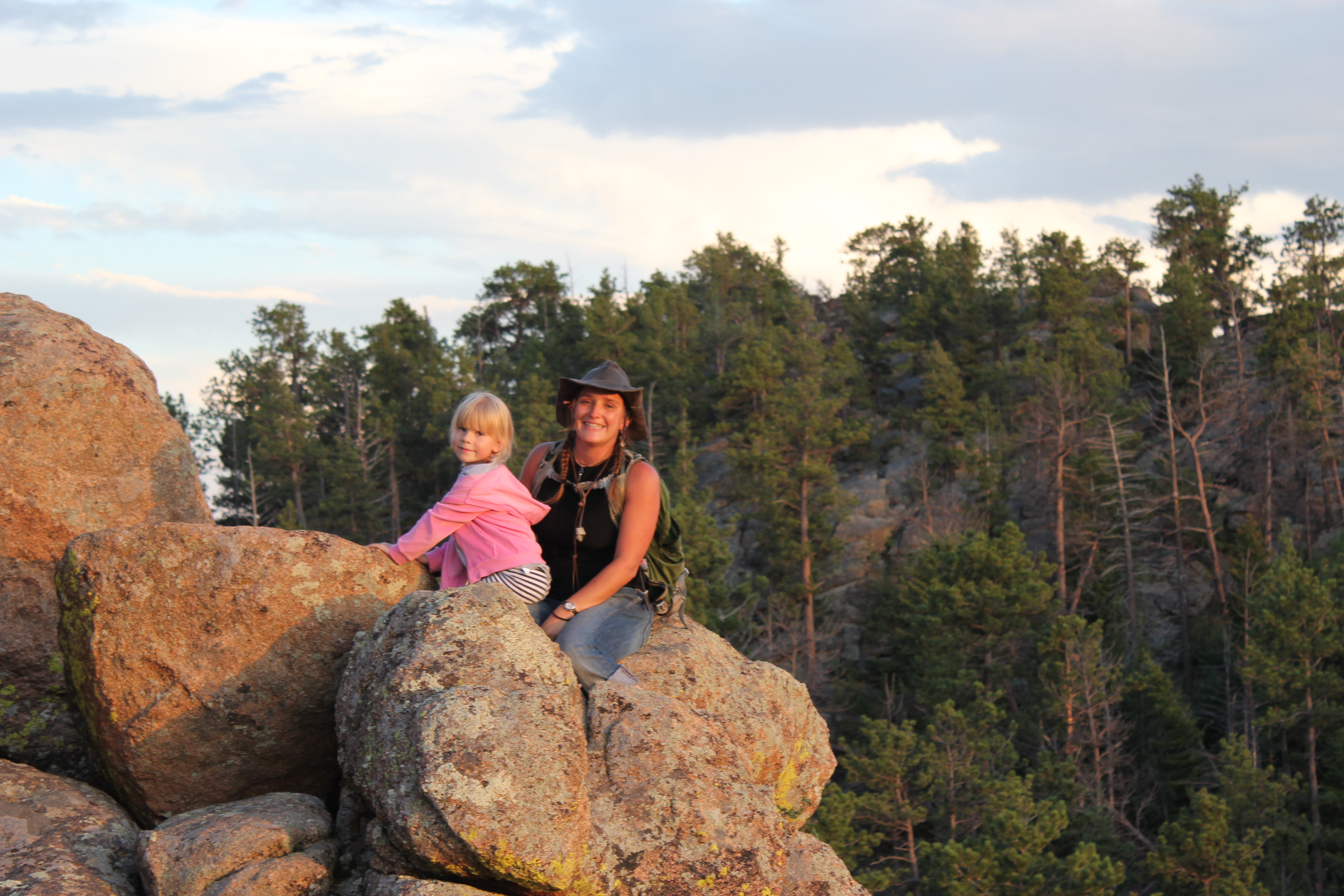 mom-daughter-rock-climbing.jpg