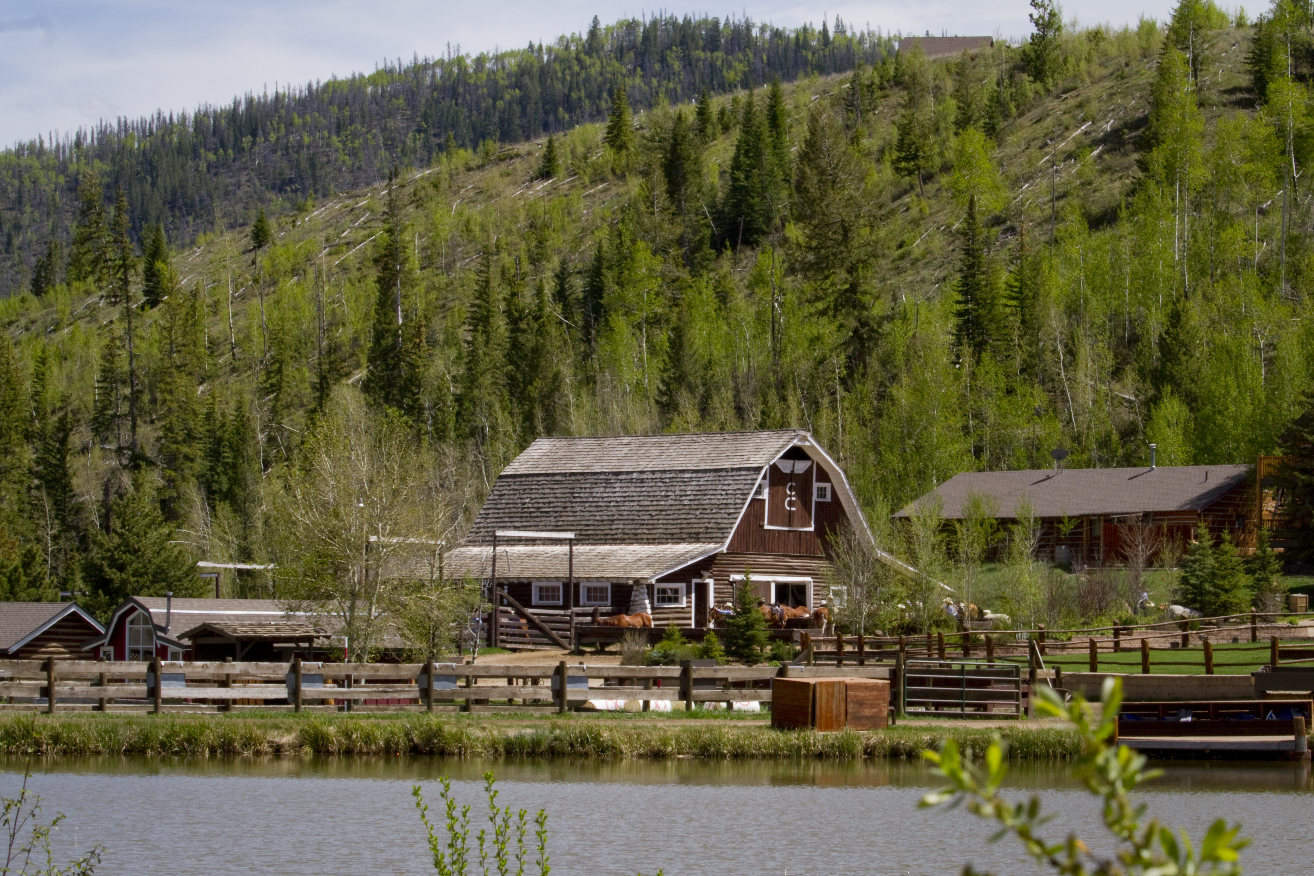 Horse-Barn-CLazyU-Ranch.jpg
